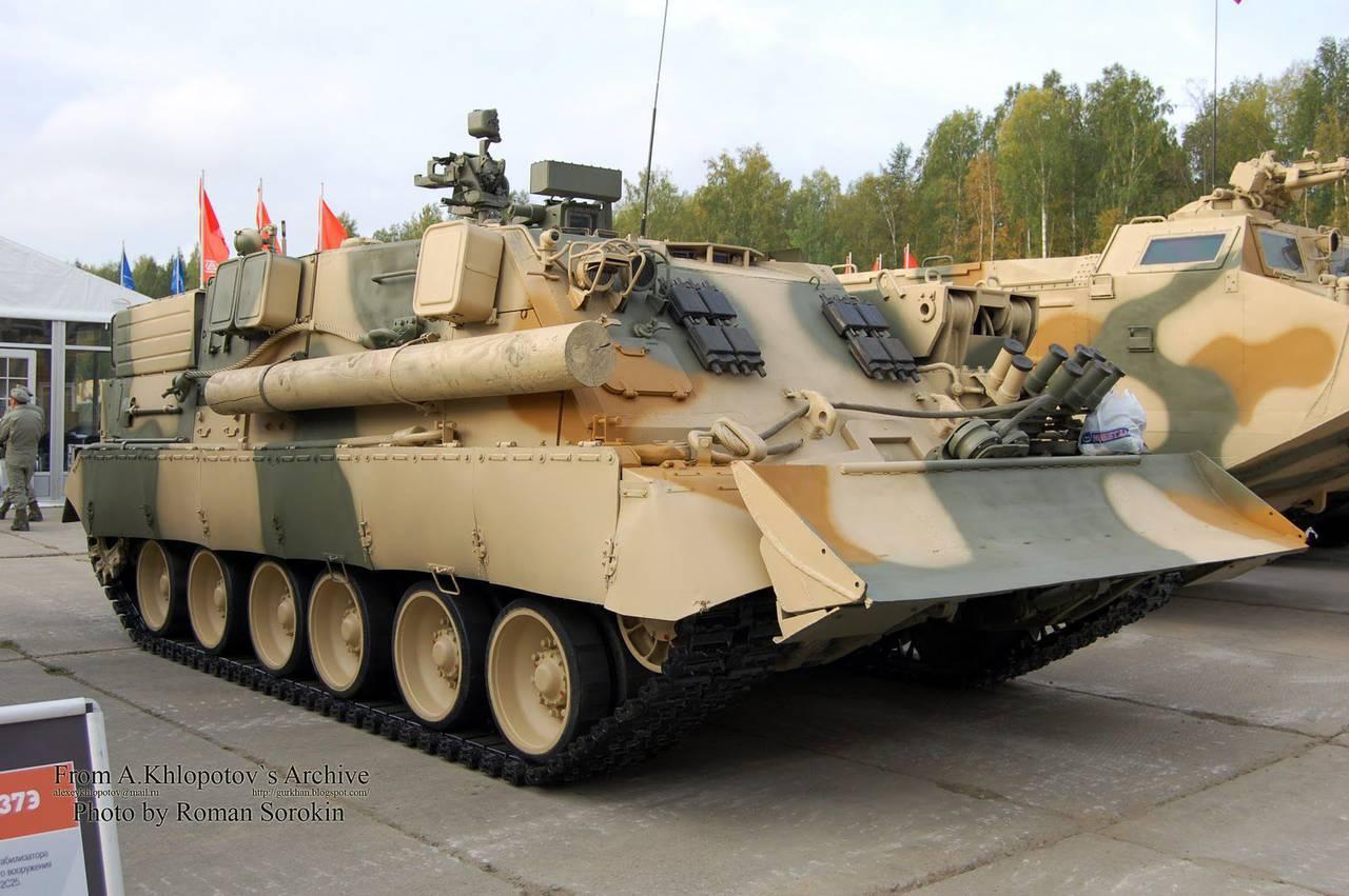 装甲回収車BREM-80U