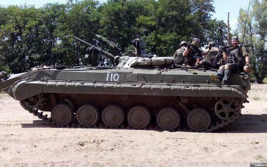 시리아에서는 수백 개의 탱크를 파괴 한 전설적인 러시아 무기가 여전히 사용되고 있습니다.