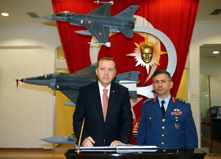 미국 정보 당국은 터키가 IS와의 싸움에서 주요 문제로 간주한다고 지적했다.