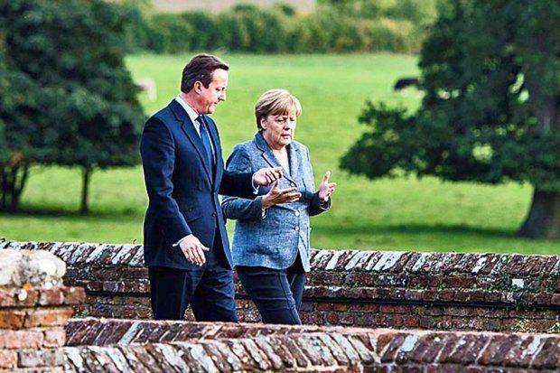 """메르켈 총리와 영국 정보국은 러시아와 ISIS에 대해 어떤 """"비밀""""을 공유 했습니까?"""