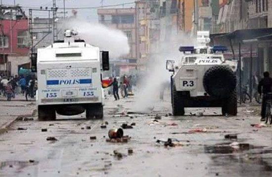 I residenti della Turchia orientale sono costretti a lasciare le loro case a causa dell'operazione condotta da Ankara contro la popolazione curda
