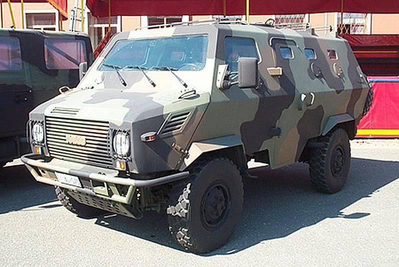 Coche blindado ligero Boneschi MAV 5