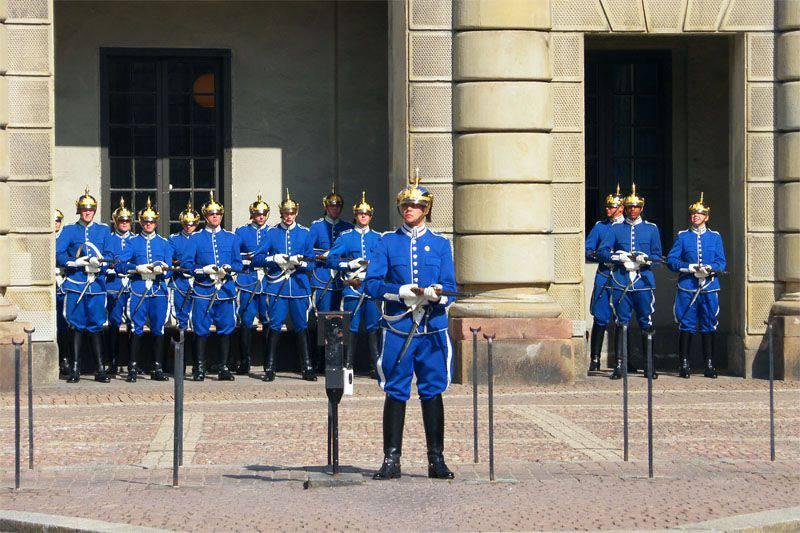 Le autorità svedesi si offrono di restituire il progetto militare per ridurre i rischi migratori