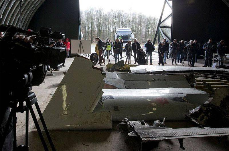 Rosaviatsiya는 보잉 MH-17의 충돌에 대한 네덜란드 전문가들의 보고서에 수많은 오류와 부정확성에 대한 비판