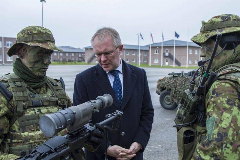 Estonya Savunma Bakanlığı, ABD birliklerinin ve askeri teçhizatın yeni vardiyasıyla görüştü
