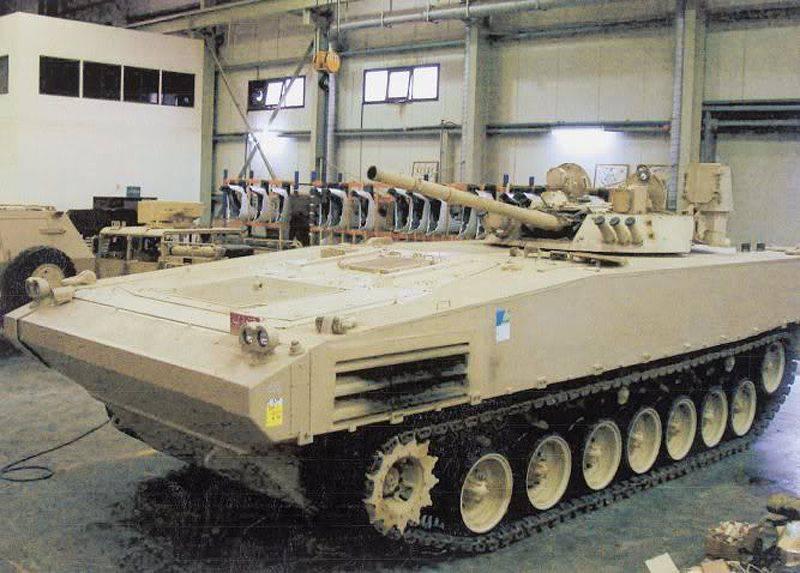 Vehículo de combate de infantería pesada HIFV para los Emiratos