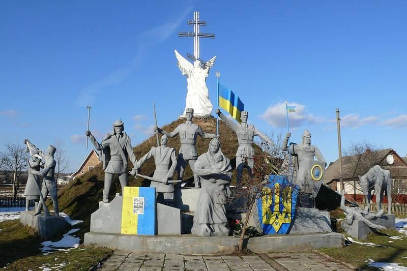"""Le but du projet """"Ukraine"""". «Les Russes se déchireront avec leurs propres griffes et nous nous développerons et nous renforcerons»"""