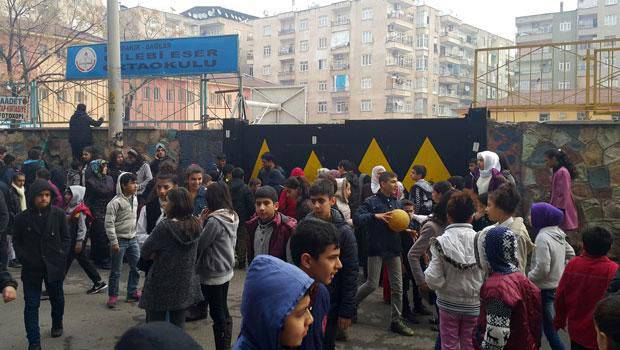 In the courtyard of the school in the south-east of Turkey, an explosion thundered