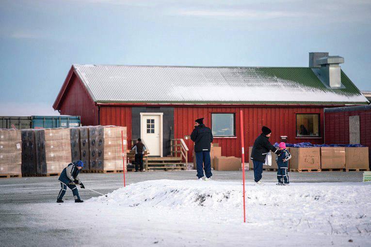 नार्वे के अधिकारी प्रवासियों को विमान से रूस भेज सकते हैं