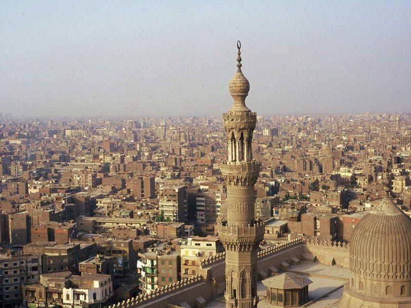 埃及官员:穆斯林兄弟会的精神领袖完全控制了穆尔西总统的活动