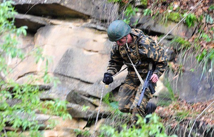 Distintivos de qualificação foram criados para militares de divisões de montanha.