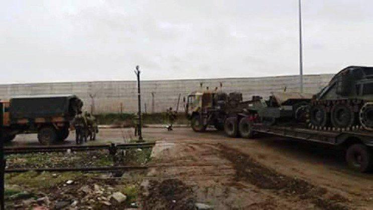 Medien: Türkische und amerikanische Truppen starteten eine Invasion in Syrien