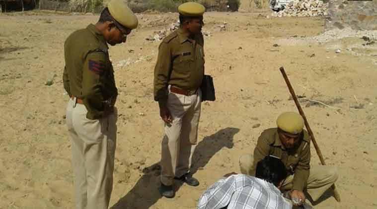 인도 언론 : 인도 북서부에 비행기에서 실수로 5 개의 공 폭탄이 떨어졌습니다.