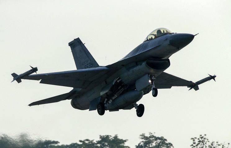 F-16在埃及坠毁,机组人员死亡