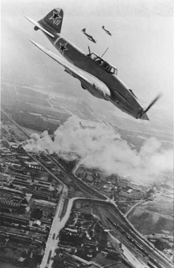 """""""Guerra ferroviaria"""" de la aviación soviética"""