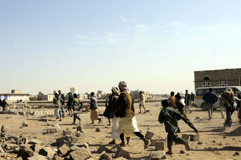 """Саудовская коалиция способствует захвату новых городов боевиками """"Аль-Каиды"""" в Йемене"""