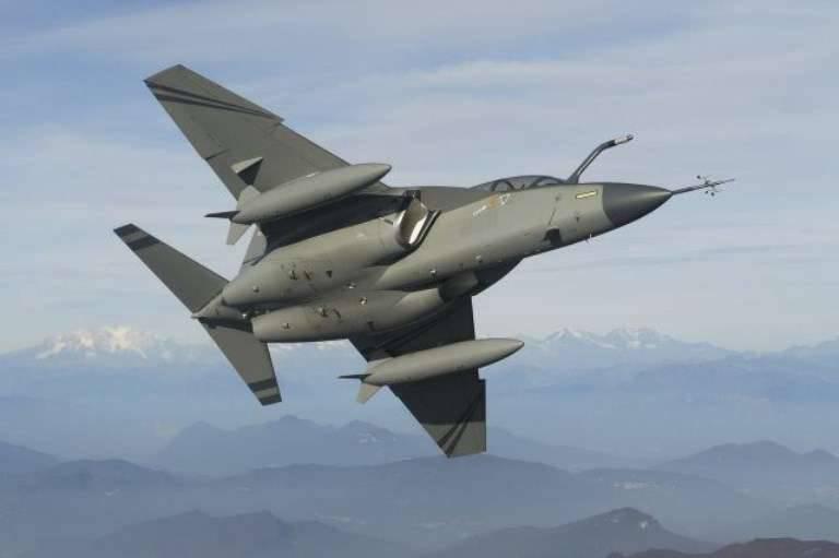 पोलिश वायु सेना के लिए M-346 प्रशिक्षण विमान