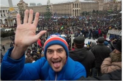 乌克兰vs俄罗斯。 如果我和朋友在一起,熊就没有朋友
