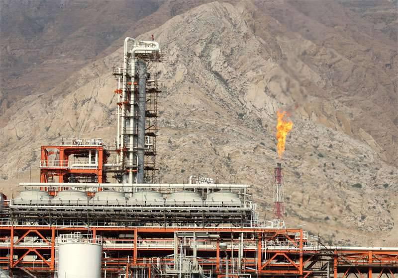Le pétrole n'est pas pour des dollars. Les Faberges iraniens sont-ils forts?