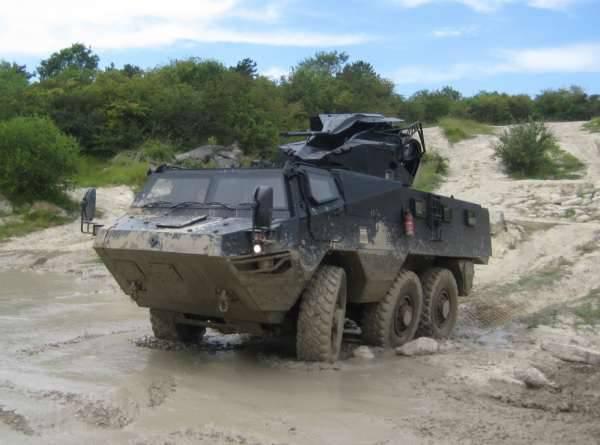 Líbano receberá unidades 200 de veículos blindados franceses