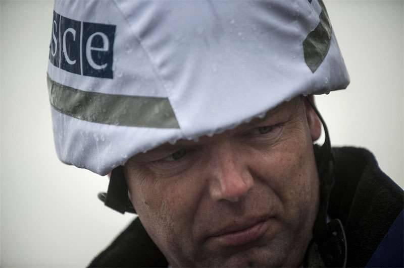 Der stellvertretende OSZE-Chef der OSZE-SMM sah die MLRS-Armee des LC, sah jedoch keine Verstöße von 130 gegen die Waffenruhe durch die ukrainischen Sicherheitskräfte