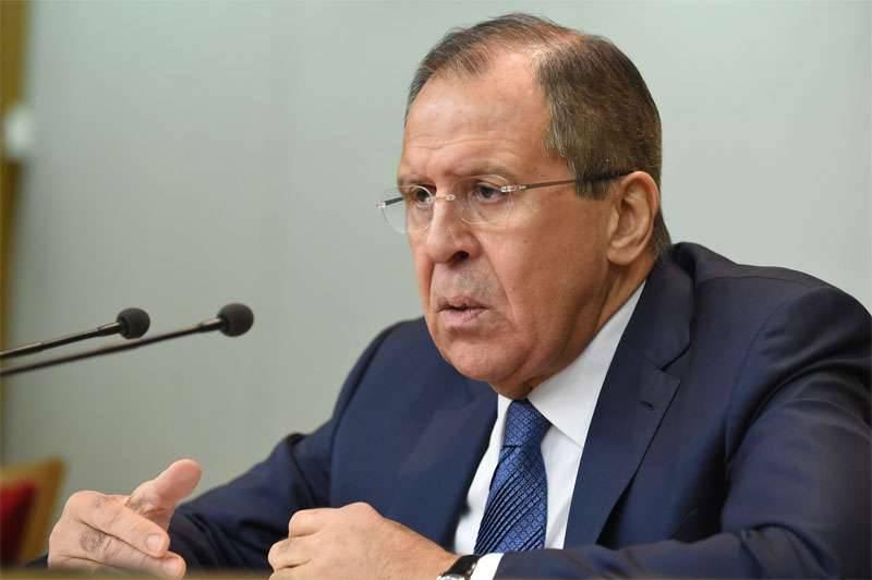 Sergey Lavrov anunciou o fornecimento de militantes pela Turquia na área de Aleppo na Síria