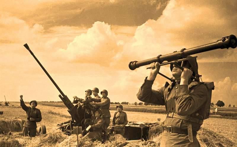 在战争期间的苏联机场防御
