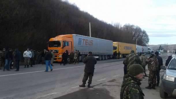 ロシアのトラックの「弱気封鎖」はウクライナ経済への「弱気サービス」です