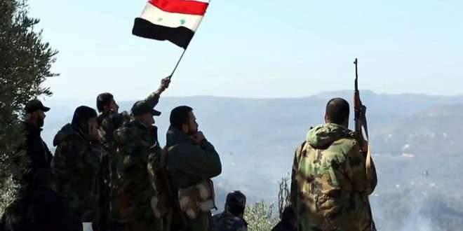 सीरियाई सेना ने कुर्दिश मिलिशिया के साथ मिलकर लातविया प्रांत के उत्तर में अपने अंतिम प्रमुख गढ़ में आतंकवादियों को हराया।