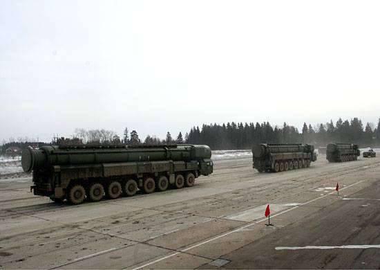 """Teikovskie """"Yars"""" vengono inviati nella regione di Mosca per preparare la partecipazione alla Victory Parade"""