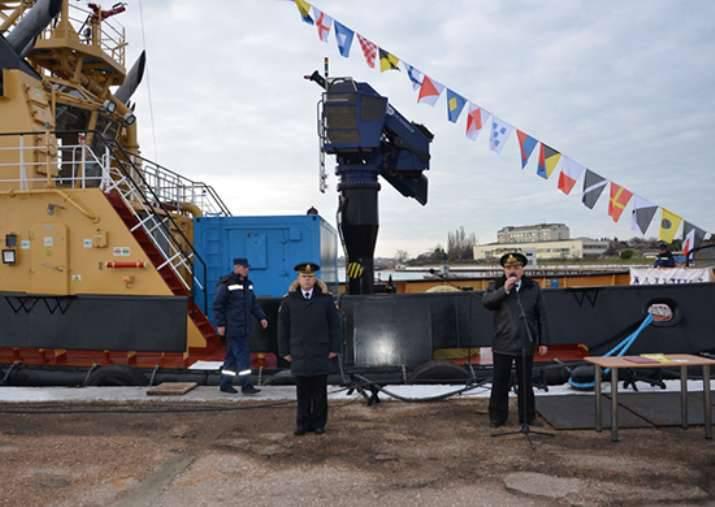 """नौसेना की संरचना ने विशेष टगबाट """"बॉटलनोज डॉल्फिन"""" को फिर से बनाया।"""