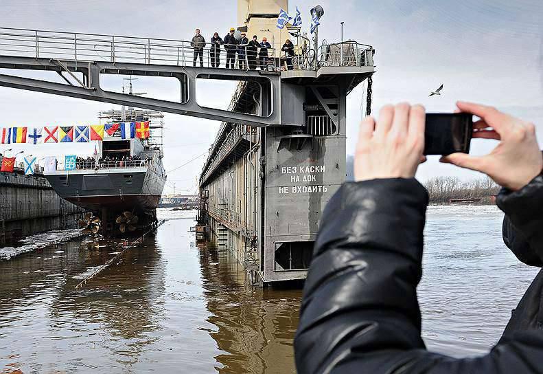 """""""Kommersant"""": Rusya Federasyonu'ndaki gemi inşaası giderek devlet düzenine odaklandı"""