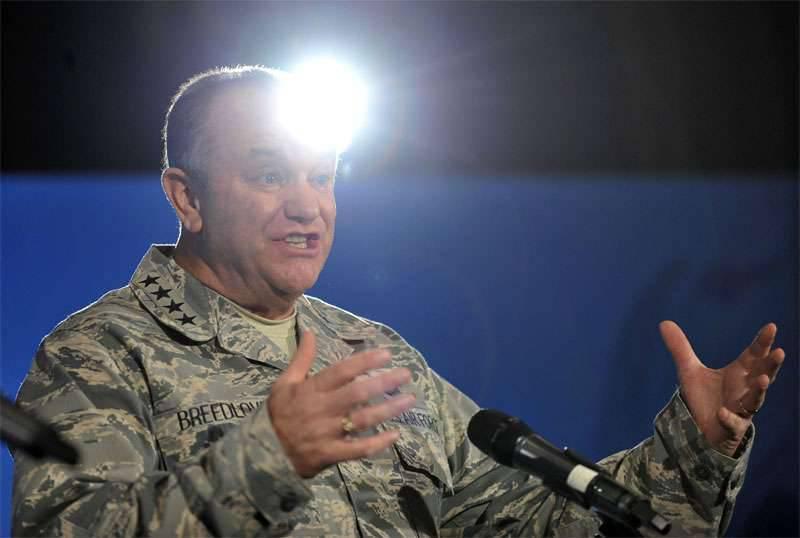 "El comandante de las fuerzas de ocupación estadounidenses en Europa acusa a Rusia de usar armas de ""baja precisión"" en Siria"