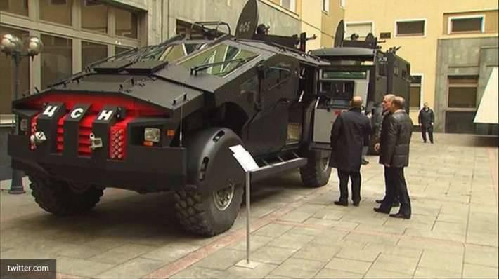 """Westliche Medien darüber, wie der Präsident der Russischen Föderation """"Putins Panzer"""" demonstrierte"""