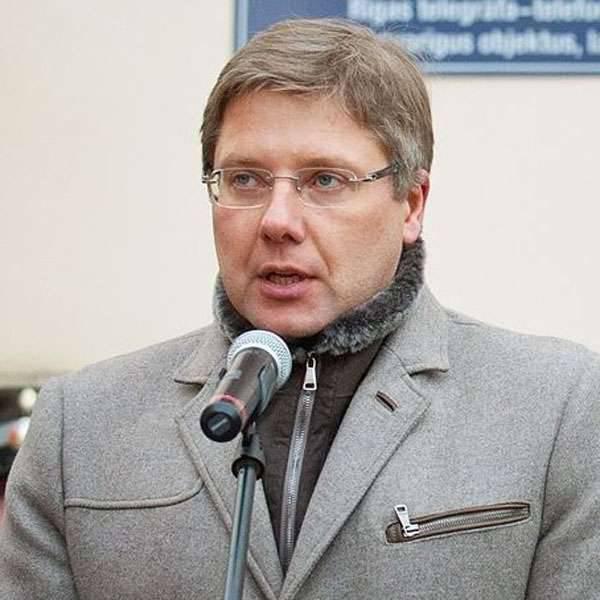 """रीगा के मेयर उन लोगों के बारे में जो लातविया में रूसी स्कूलों पर प्रतिबंध लगाने जा रहे हैं: """"बच्चों पर राजनीतिक पूंजी कमाने की कोशिश कर रहे नर्ड्स"""""""
