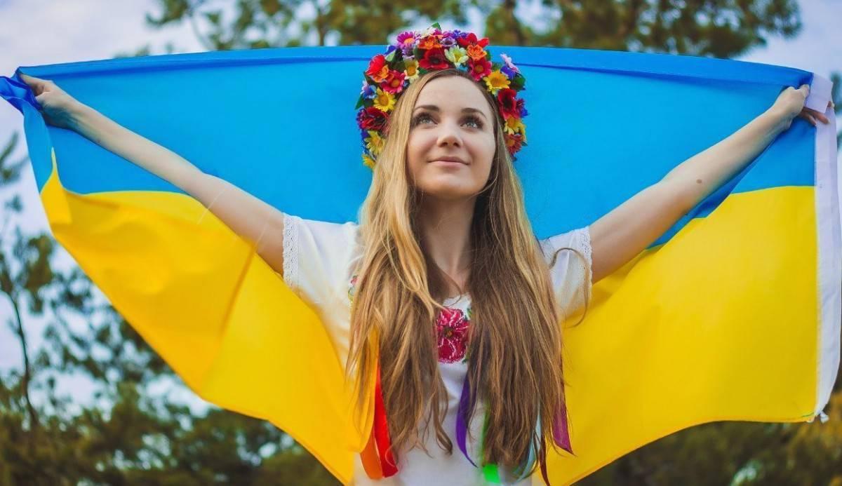 Две толстенькие некрасивые украинки, видео лесбиянки русские кончают