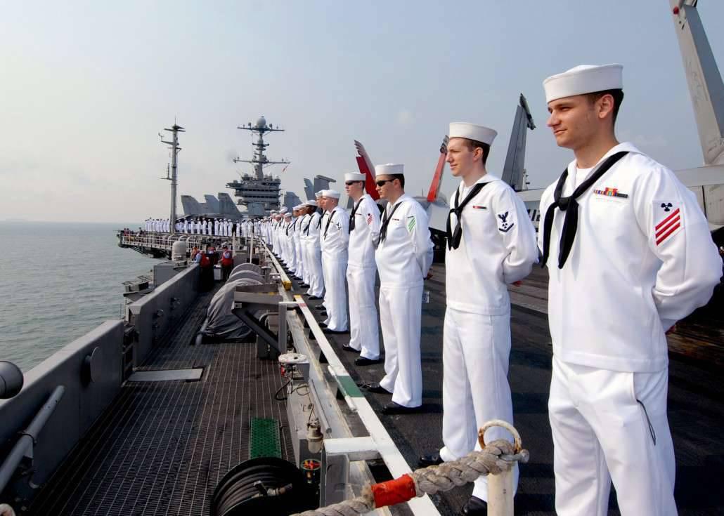 большая о торговом флоте фото обычно красного