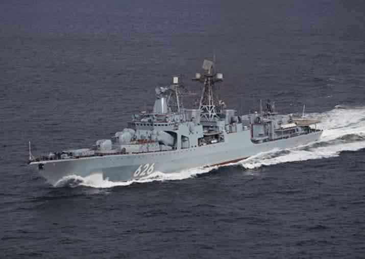"""O """"vice-almirante Kulakov"""" no Mar Mediterrâneo elaborou a organização da defesa contra submarinos inimigos"""
