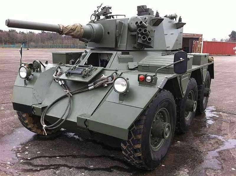 Veículo blindado Saladin empresa britânica Alvis