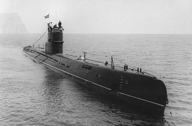 Projet 613 - un sous-marin avec la simplicité et la fiabilité d'un fusil à trois lignes