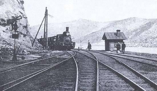 «Je commande maintenant la construction d'un chemin de fer continu traversant la Sibérie ...»