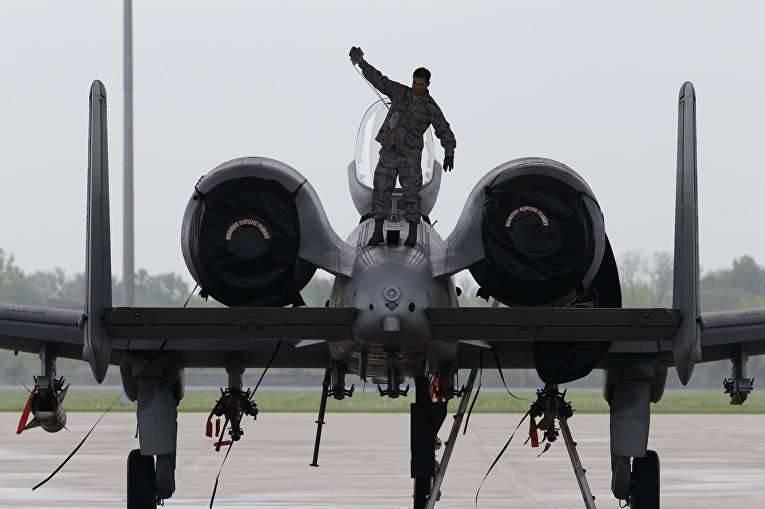メディア:米空軍は軍全体を底に引っ張る