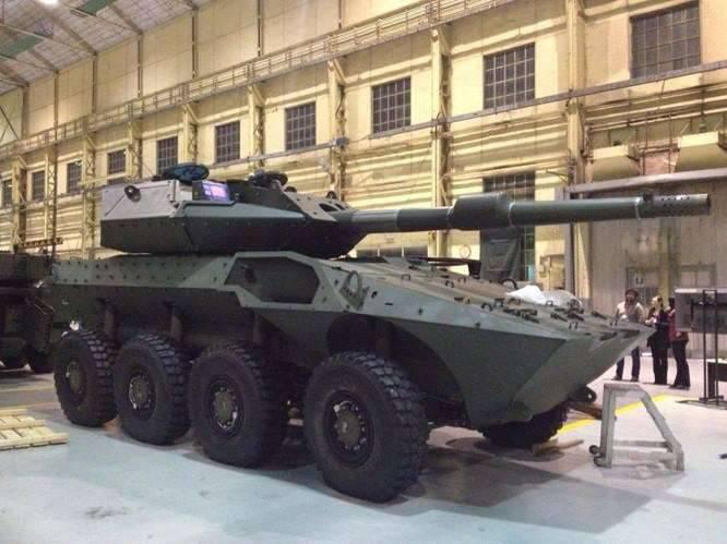 O protótipo do veículo blindado italiano Centauro 2