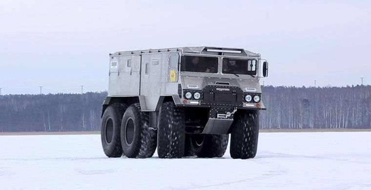 """모든 - 지형 차량 """"Burlak"""": 북극 여행의 차"""