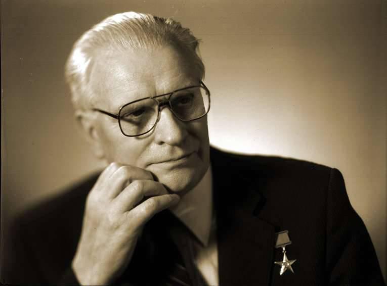 """Arkady Brish - um dos fundadores do """"escudo nuclear"""" soviético"""