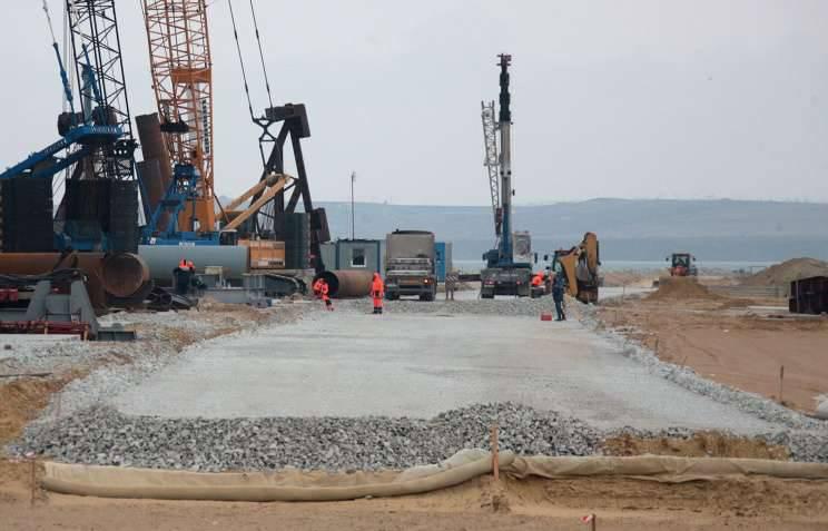Buque de carga turco derribó el puente en construcción en el estrecho de Kerch