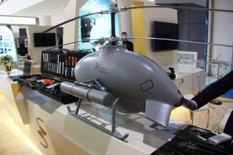 中国人展示了一架直升机型战斗无人机
