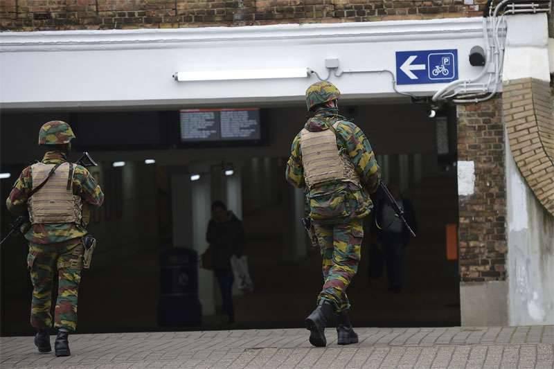 AP citant les services de renseignement en Europe et en Irak: l'Etat islamique a formé environ 400 kamikazes à mener des attentats terroristes dans l'UE