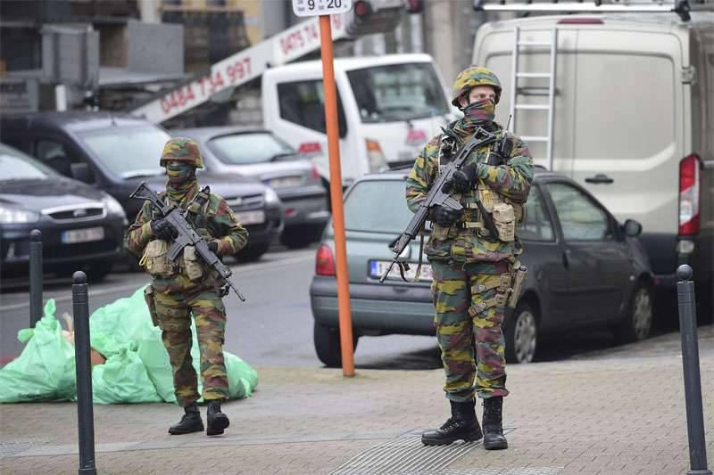 """Médias: les services spéciaux belges après les attentats de Paris ont refusé à leurs collègues américains """"de clarifier les détails de l'enquête"""""""