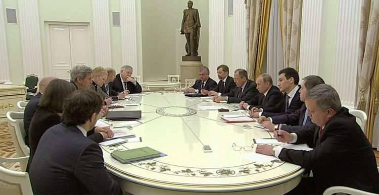 La secrétaire d'Etat américaine rencontre Vladimir Poutine et Sergueï Lavrov à Moscou